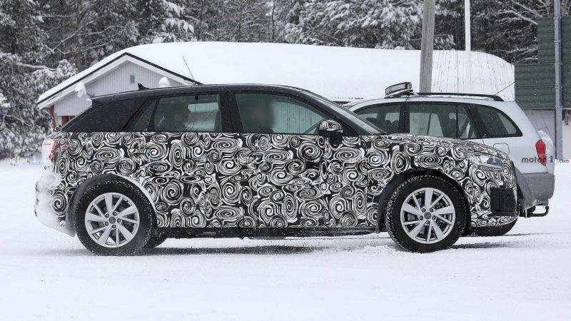 Audi Q2 E-Tron вид сбоку