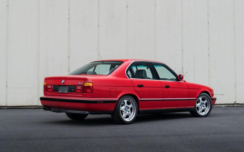 Авто BMW M5