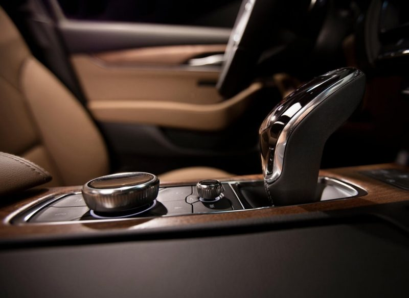 Интерьер Cadillac CT5