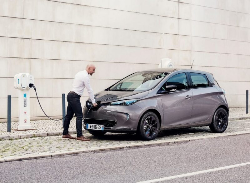 Зарядка Renault ZOE