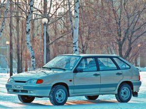 Автомобиль Лада-2114
