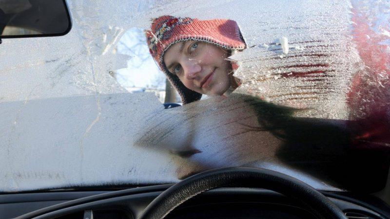 Ездить с замерзшими стеклами