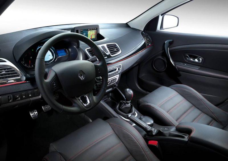 Салон Renault Fluence GT