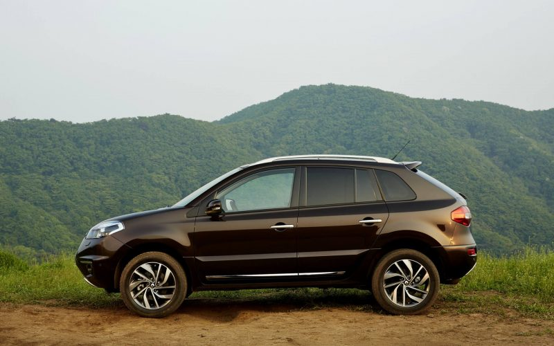Renault Koleos вид сбоку