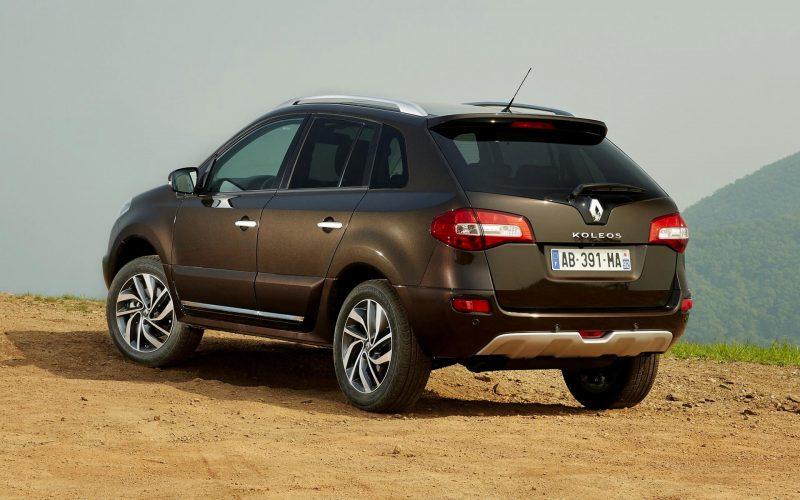 Renault Koleos вид сзади