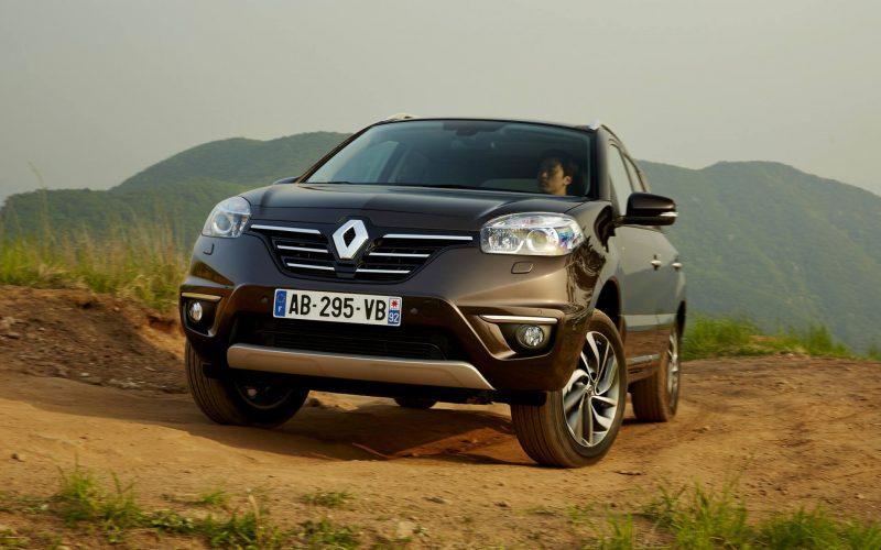 Вид спереди Renault Koleos 2014