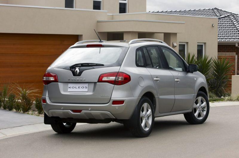 Вид сзади Renault Koleos I