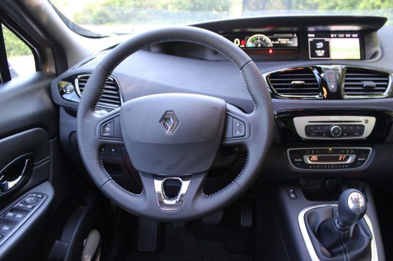 Салон Renault Scenic III