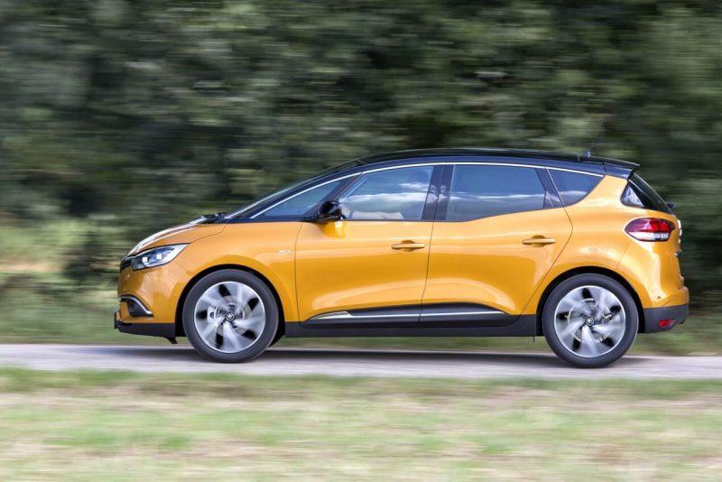 Вид сбоку Renault Scenic IV
