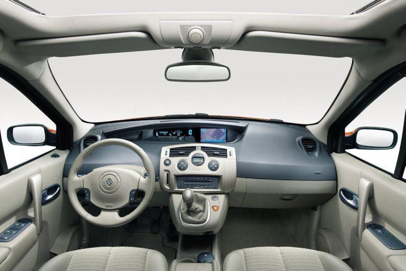 Интерьер Renault Scenic II поколение