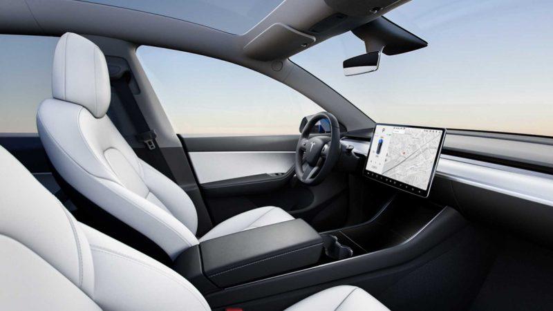 Интерьер Tesla Model Y