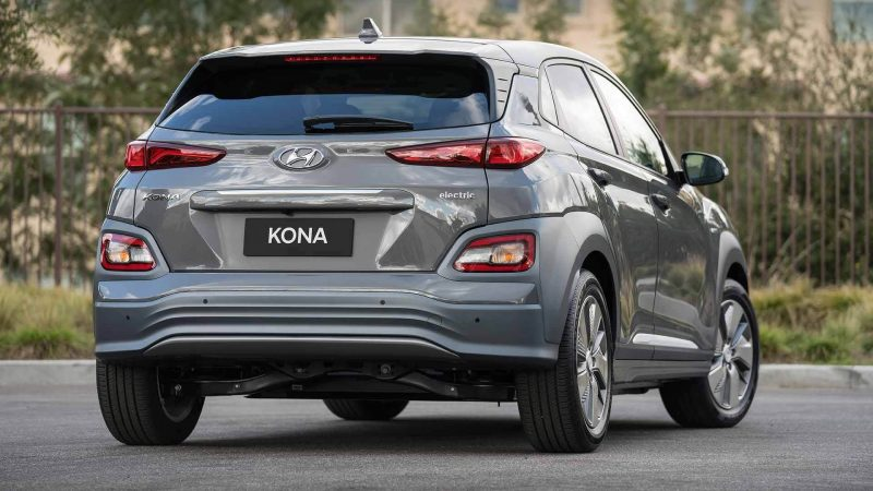 Вид сзади Hyundai Kona Electric