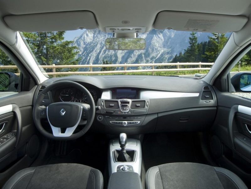 Салон Renault Laguna 3