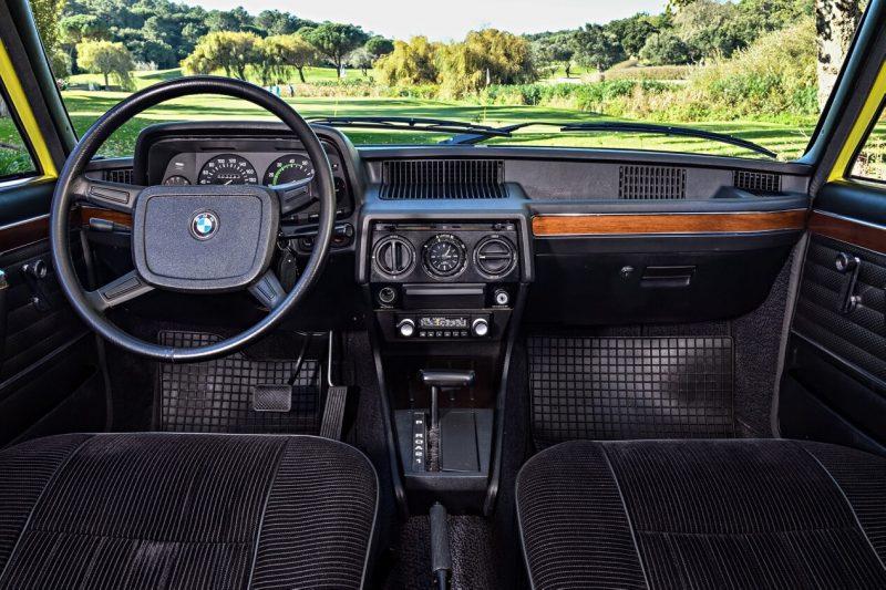 Интерьер BMW 5 Series (E12)