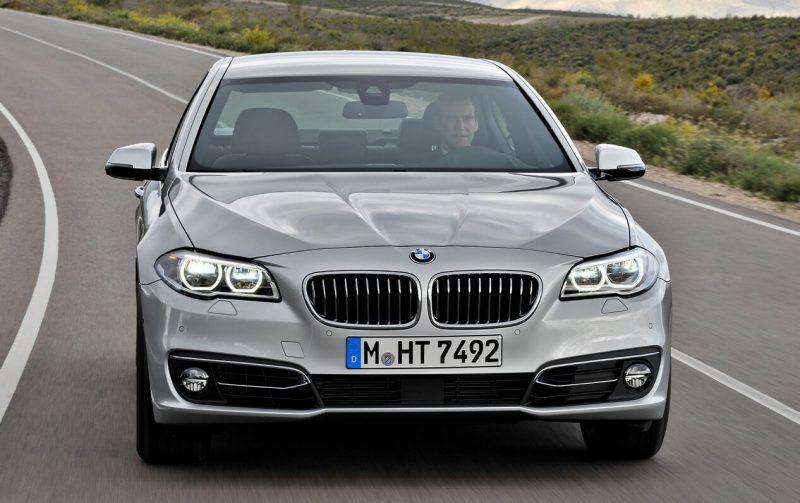 Вид спереди BMW 5 Series