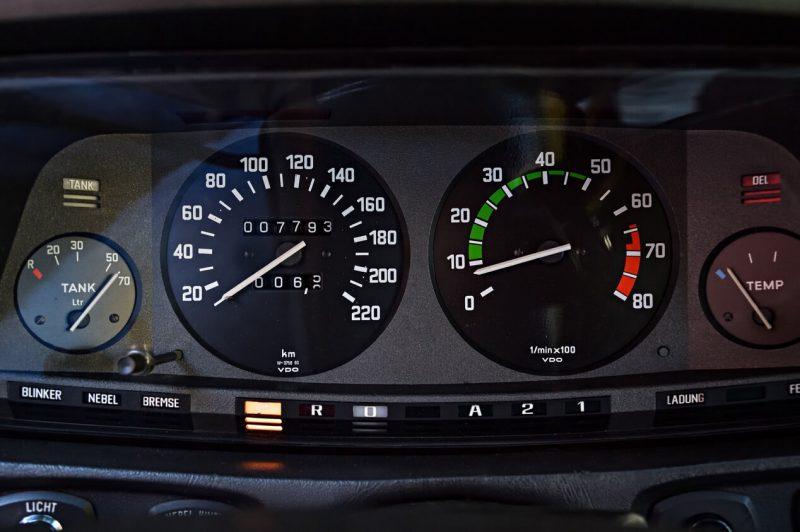Панель приборов BMW 5 Series (E12)