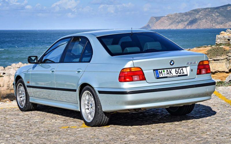 Вид сзади BMW 5 Series (E39)
