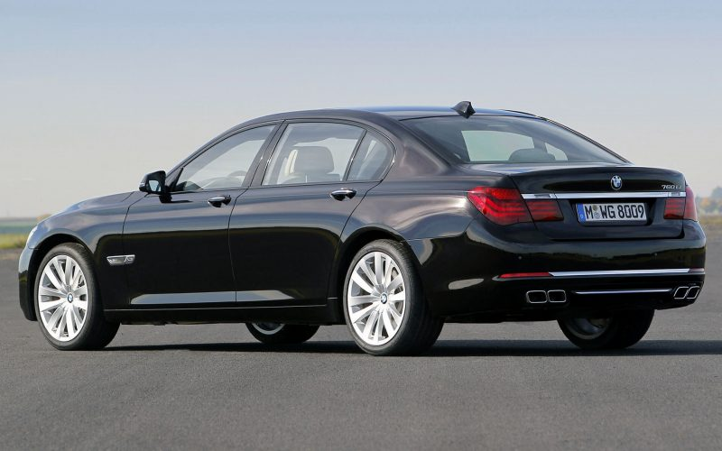 Седан BMW 7 Series F01