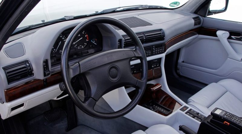 Интерьер BMW 7-Series E32