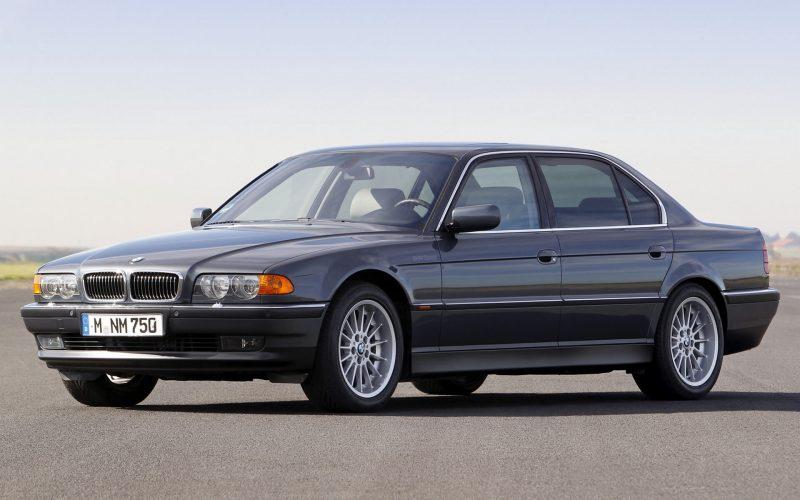 Фото BMW 7 Series (E38)