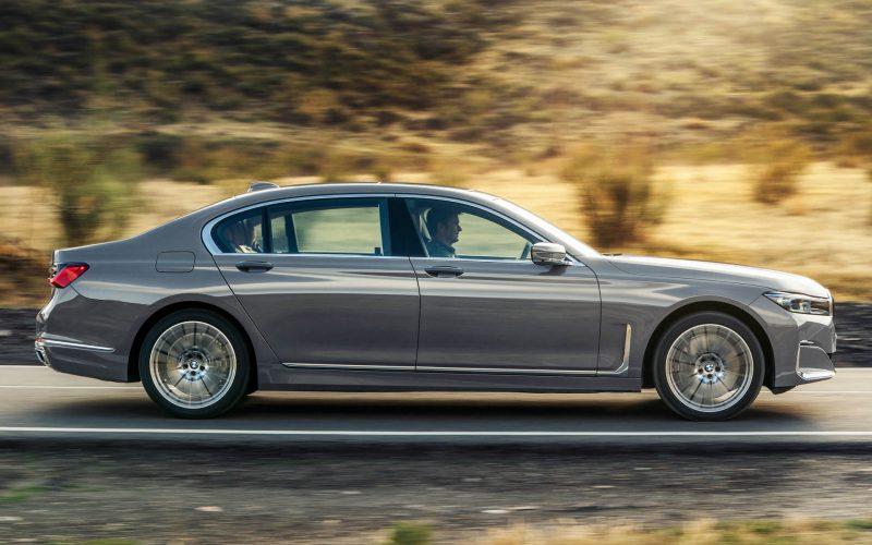 Вид сбоку BMW 7 Series (G12)