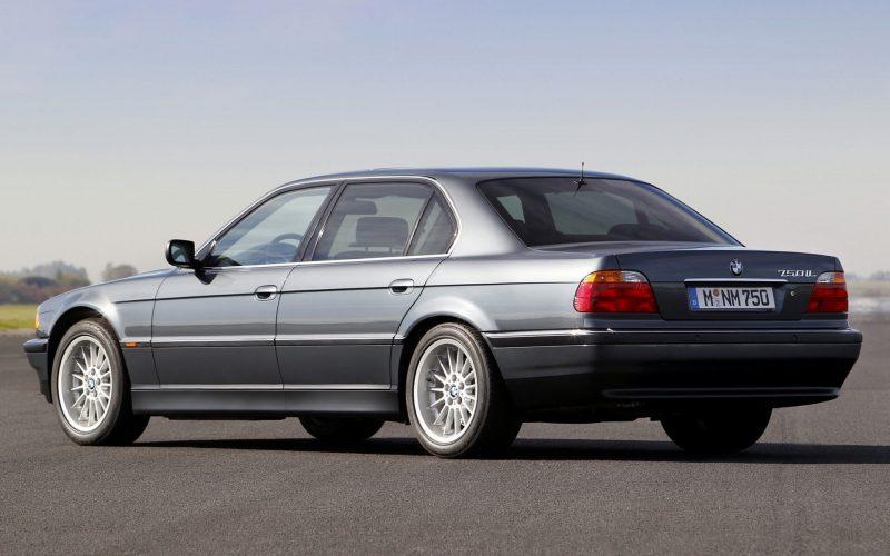 Фото авто BMW 7 Series (E38)