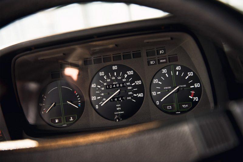 Приборная панель BMW 7 Series (E23)