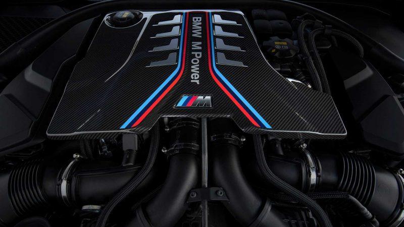 Двигатель BMW M8