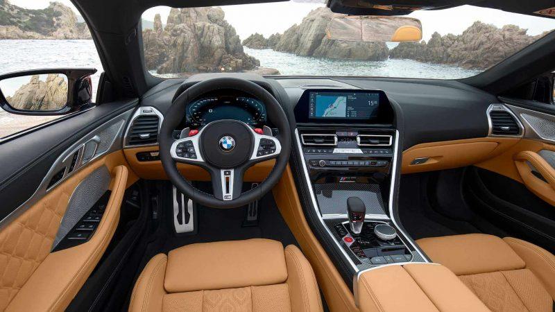 Интерьер BMW M8