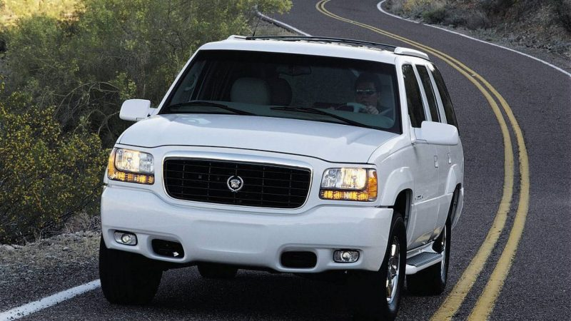Cadillac Escalade первого поколения