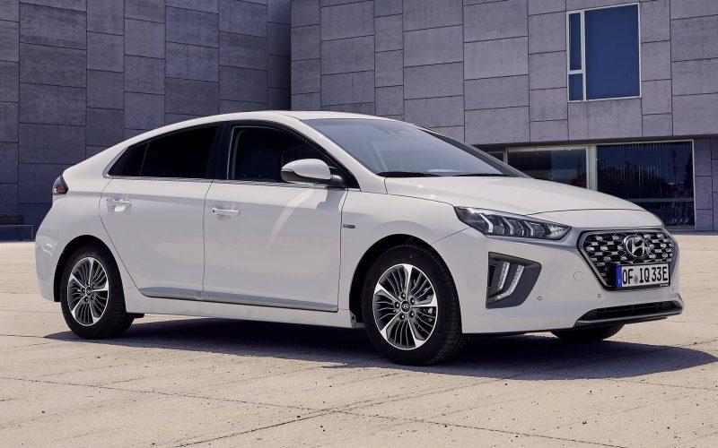 Фото Hyundai IONIQ plug-in