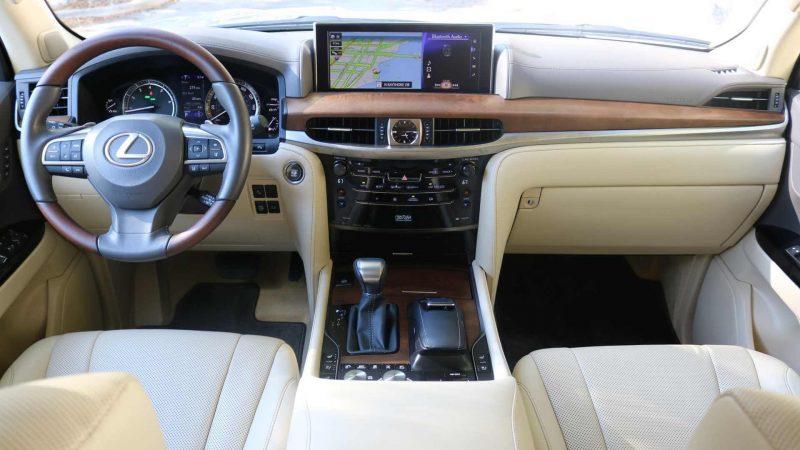 Интерьер Lexus LX