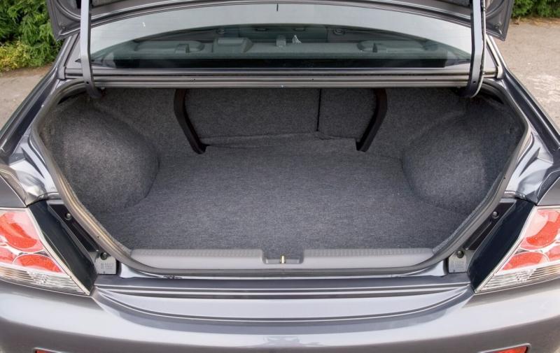 Багажник Mitsubishi Lancer