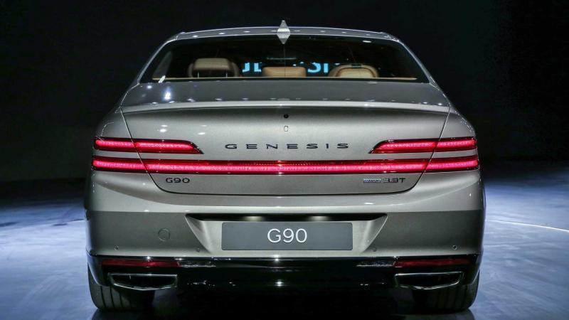 Вид сзади Genesis G90