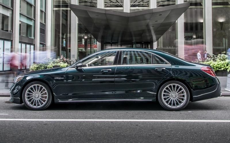Вид сбоку Mercedes-Benz S-Class