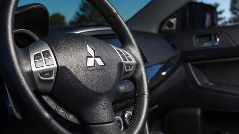 Рулевое колесо Mitsubishi Lancer