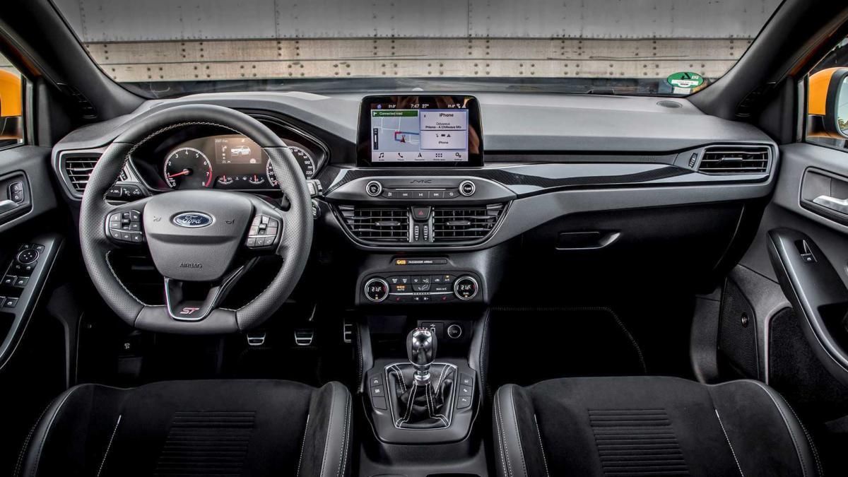 Интерьер Ford Focus ST