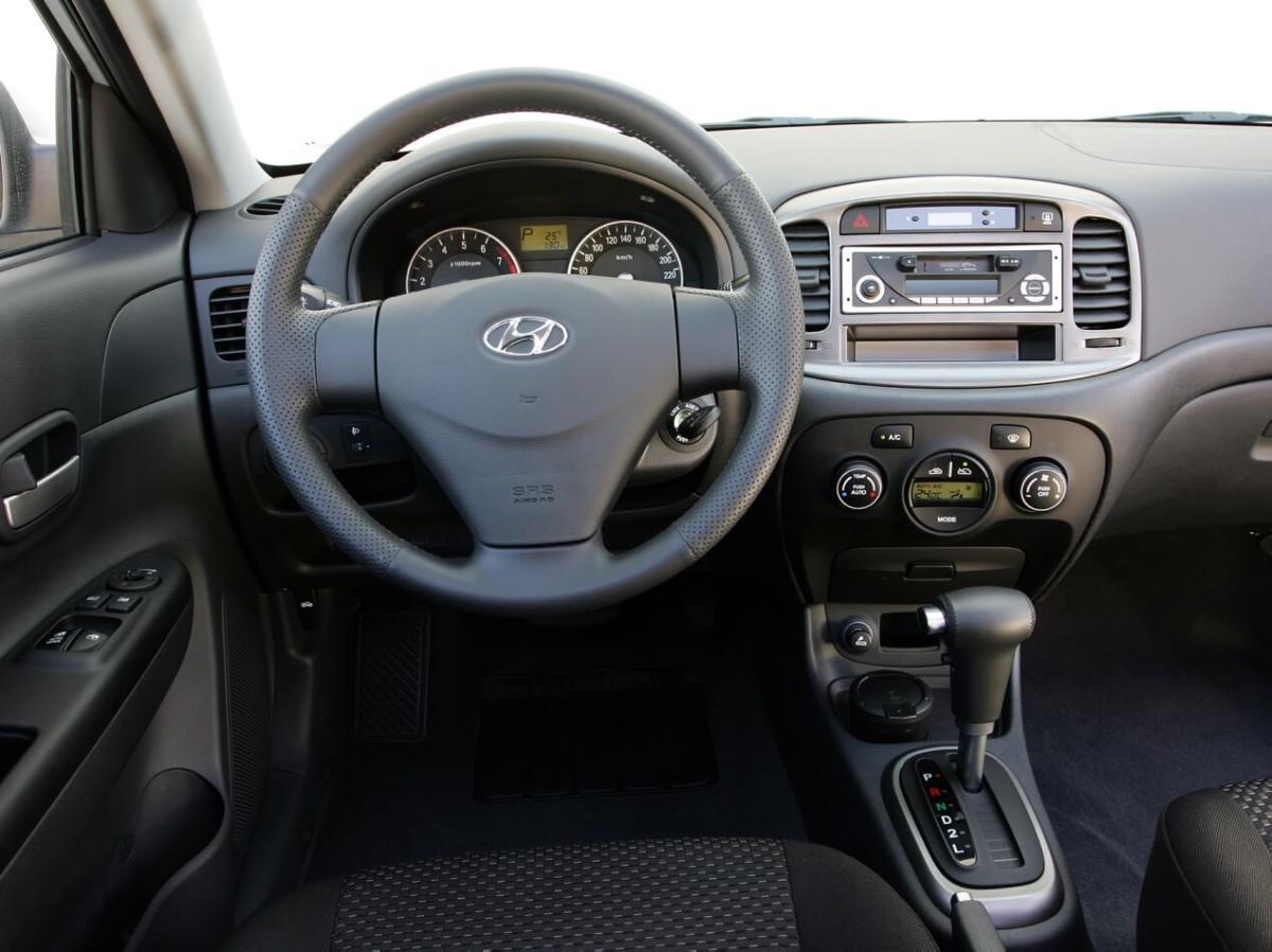 Hyundai Accent III поколения