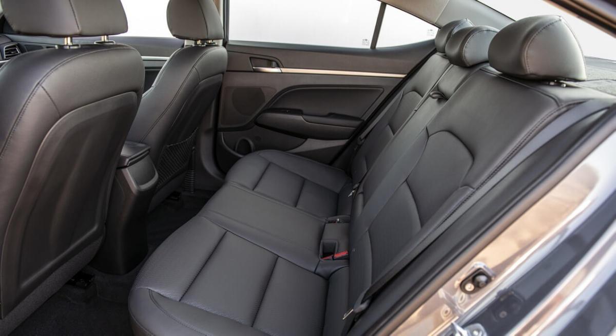 Задний диван Hyundai Elantra AD