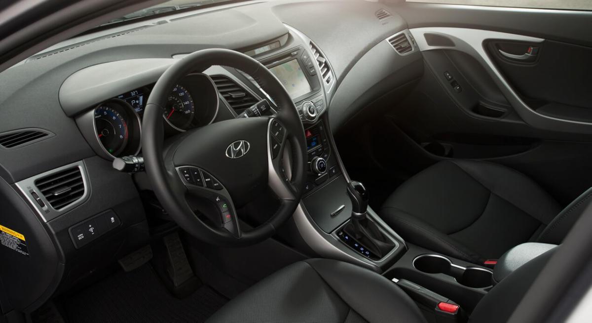 Салон Hyundai Elantra MD