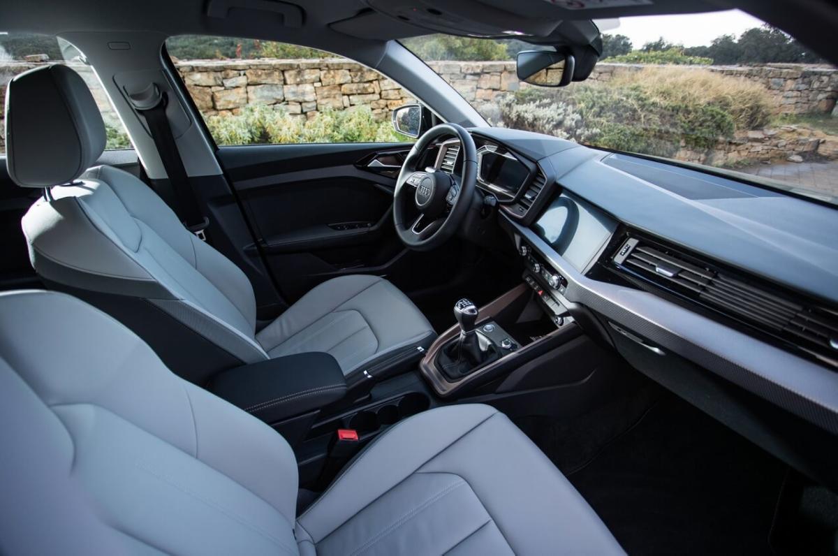 Интерьер Audi A1 GB