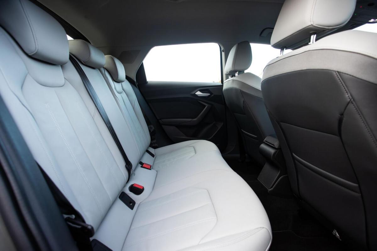 Салон Audi A1 GB