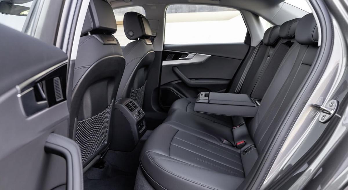 Задний диван Audi A4