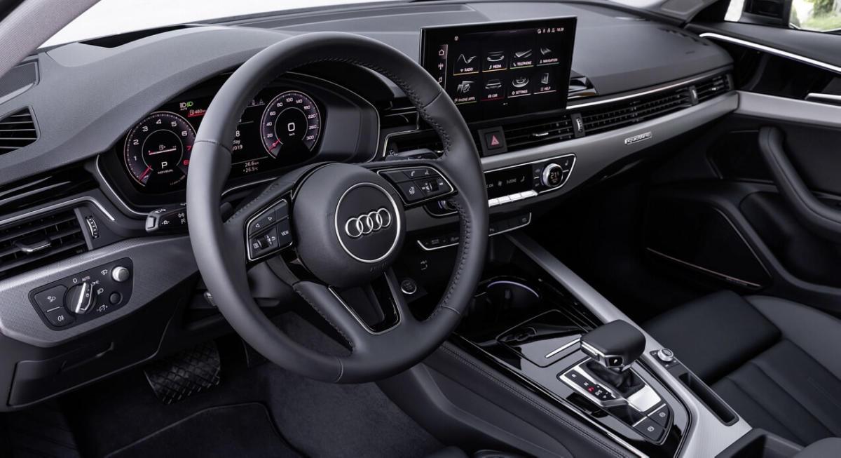 Интерьер Audi A4