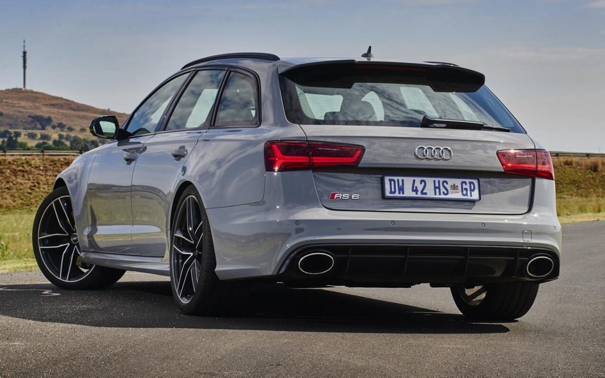 Вид сзади Audi RS 6 Avant (С7)