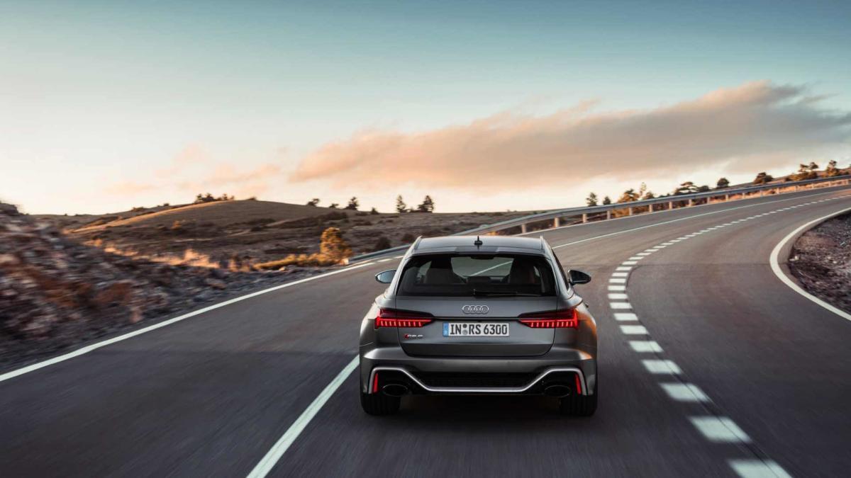 Audi RS6 Avant фотография