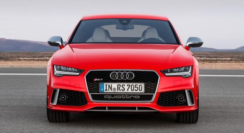 Вид спереди Audi RS7