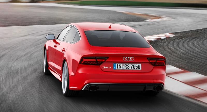 Вид сзади Audi RS7