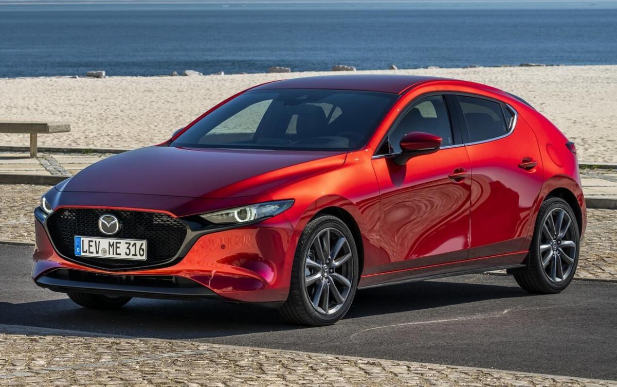 Автомобиль Mazda 3 2019