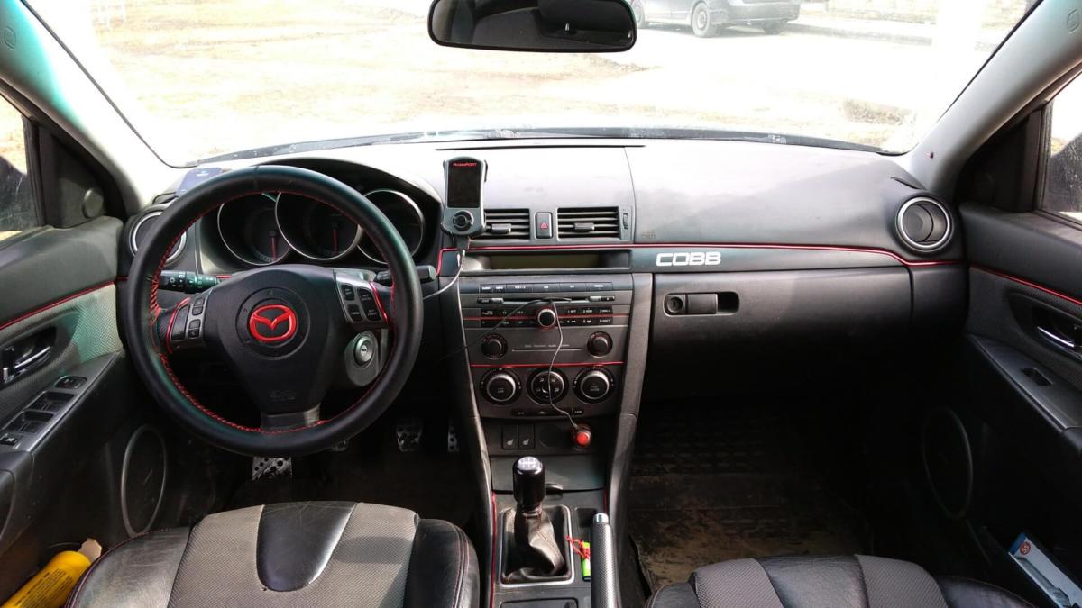 Салон Mazda 3 2007 года